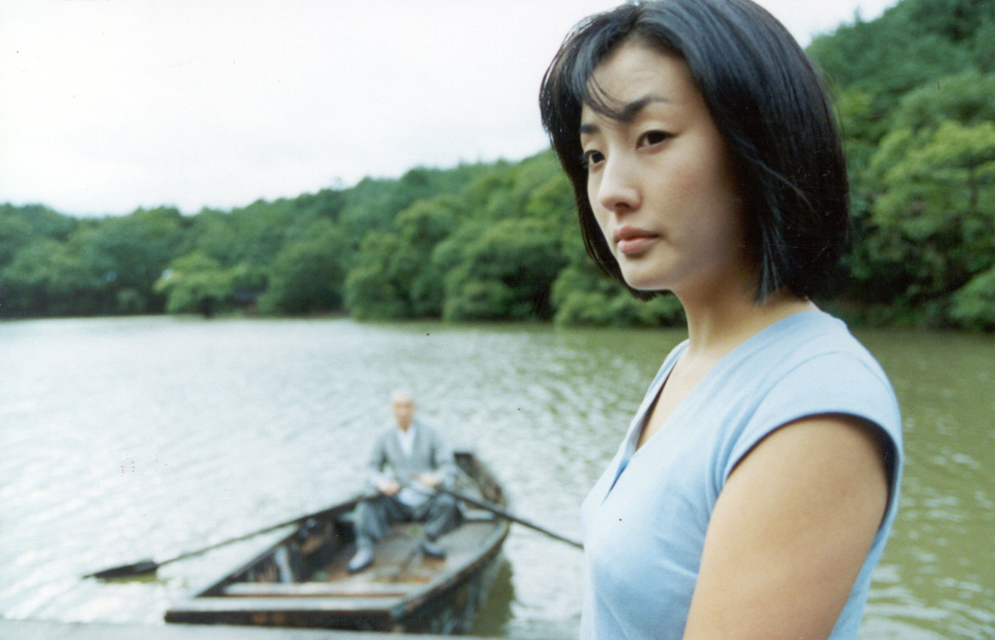 Left (rear) to right: OH Young-soo as Old Monk, HA Yeo-jin as The Girl; Photo by KIM Tae-hwan and LEE Sung-jin